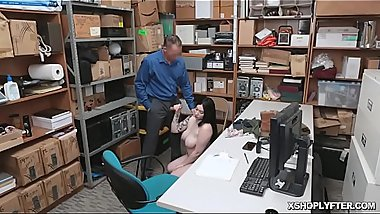 Amilia Onyx taste and titfuck Officer Marcus cock at the back office