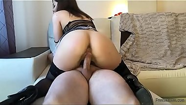 Cute big tits and juicy butt babe fucked in homevideo