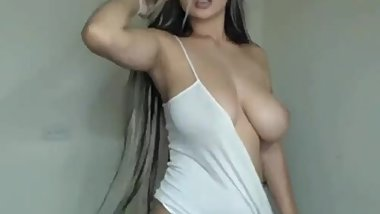 Teen Big Tits Webcam Masturbates and dances