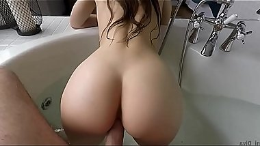 Washed my sister'_s pussy in the bathroom at the same time and fucked