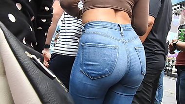 Jeans butt at entertaining performance