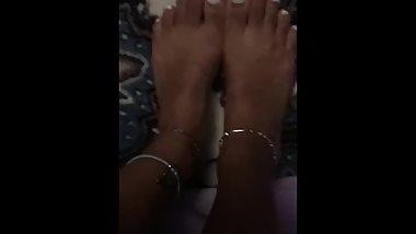 Florida girl white toes