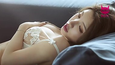 Chinese Model 黄楽然 sensual photoshoot