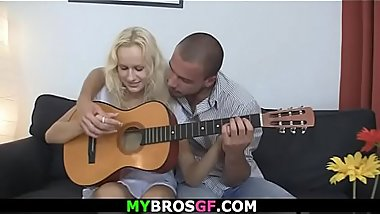 He seduces shaved pussy blonde girl