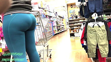 Candid Ass in Leggings Part 1