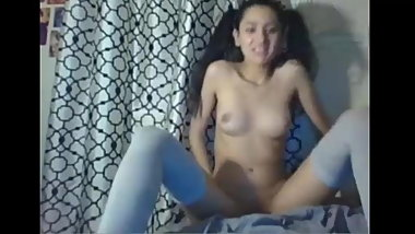 Sexy little girl on webcam   Seekingangels