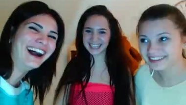 cam model brings a group to laugh at my small cock sph