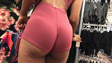 Slim Thick Ebony Teen Showin Butt Cheeks