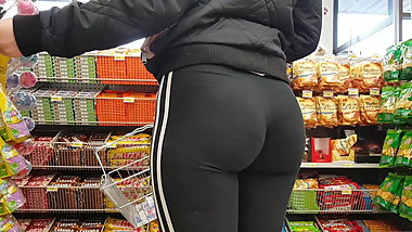 OMG PAWG TEEN PERFECT BUBBLE BUTT IN LEGGINGS HD