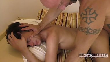 Stupidly enormous, fuck off sized FAT DICK pokes rent boy open