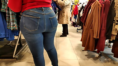 Fat juicy ass black girls in tight jeans