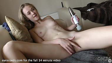 18yo jete using a vibrator simple masturbation no squirt this time