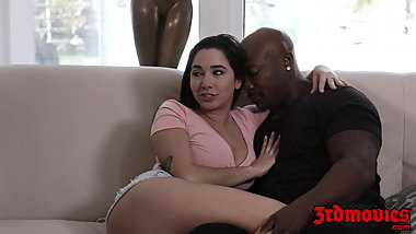 Curvaceous Karlee Grey inserts BBC in fornt of stepdad